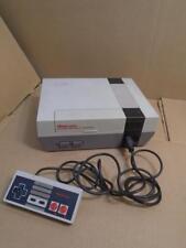 VINTAGE NINTENDO ENTERTAINMENT SYSTEM MODEL NES-001 1985 VIDEO GAME CONSOLE ((