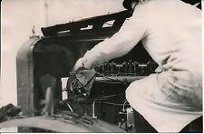 Automobile c. 1935 - Moteur 6 Cylindres - P 1020
