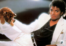 MICHAEL JACKSON UNSIGNED PHOTO - 8099 - THRILLER - TIGER CUB