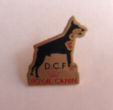 Pin's pin ROYAL CANIN - CHIEN D.C.F (ref 048)