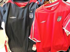 ENGLAND  TRAINING  UMBRO SMALL /MED LA ROR X/L AT £9 BNWL 40/42 OR 42/44 COTTON