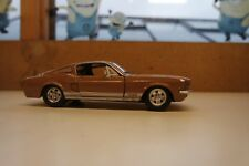 Maisto - 1967 FORD MUSTANG GT Gold Scale 1:24