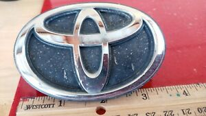 OEM USED 1991 1992 1993 Toyota Tercel CE Grille Emblem 75311-16470
