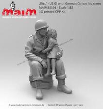 "MAIM US SOLDIER & GIRL ""KISS"" 35396"