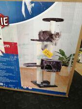 TRIXIE Pet Products Kratzbaum/Spielhaus für Katzen
