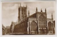 Yorkshire (East) postcard - Holy Trinity Church, Hull - RP (A88)