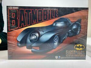 Batman Batmobile 1/32 Scale Model Kit Aoshima 18BAO05
