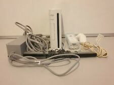 Nintendo Wii Console Bundle with 2 Games