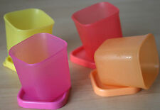 Tupperware SQ ROUND SNOWFLAKE MIDGET MINI SNACK CUBE CONTAINERS - FREEZER