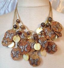 collier imposant pampille rotin papillon couleur argent perles bois nacre C1