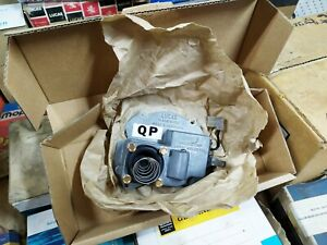 NOS HQ Washer pump GMH Holden Kingswood Monaro Wiper Motor QP Lucas