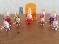 PEPPA PIG ROYAL Playset Paquete de 4 caracteres OF PEPPA & GEORGE y Trono