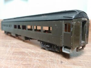 Vintage O Scale Walthers dinner with interior ! Old school metal sides