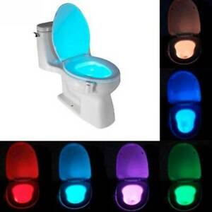LUCE LED RGB WC BAGNO WATER CESSO NOTTURNA TOILETTE TOILET SENSORE MOVIMENTO