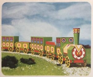 Colorful Old-time Steam Engine and four carriages beginner card model.
