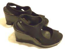 Simply VERA WANG Women's Black Soft Fabric Wedge Heel Shoes Size 8 M VGC