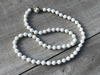 MAGNIFICENT MIRIAM HASKELL VINTAGE BEADED NECKLACE WITH MILK GLASS BEADS