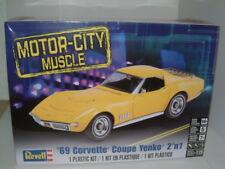 """1/25 REVELL 1969 Chevrolet Corvette Coupé """"chevaux"""". 2 en 1, Kit Plastique"""