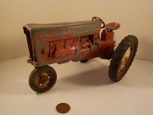 "Original 1970's-vintage (Die-Cast Metal) ""TRU-SCALE ~ Farm TRACTOR"" Toy!"