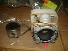Poulan 415 pro  piston and cylinder  chainsaw part bin 494