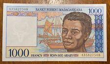 MADAGASCARTRES BEAU  BILLET DE 1000 FRANCS  (BILL 73)