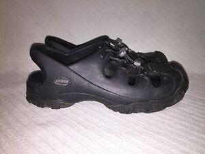 Ladies sz 12/Men sz 10 Authentic CROCS Black Slip On Rubber Type Sandal Shoes