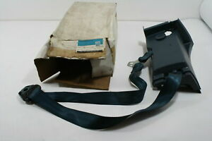 NOS GM OEM SEAT BELT RETRACTOR SIDE, DRIVER SIDE LH FRONT BLUE 15617778