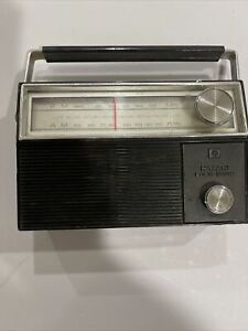 Vintage Hitachi Solid State transistor radio AM/FM KH-930 - As-Is Not Working