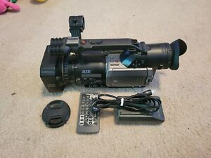 Panasonic AG-DVX100A Camcorder W/Remote(no 2025 button Batt)and Battery/Charger