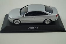 Minichamps Modellauto 1:43 Audi A8