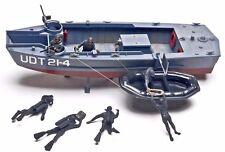 U.S.Dealer 1/35 Scale Navy Underwater Demolition U.D.T. Boat with Raft & 7 Crew
