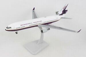 Hogan Wings McDonnell Douglas House MD-11 Reg#N211MD 1/200 W/GEAR. New