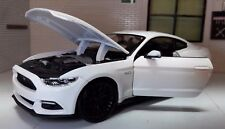 Ford Mustang 2015 5.0 GT White 1:24 Scale Diecast Model Car Hammond Grand Tour