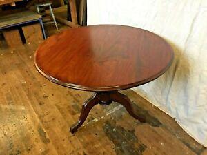 Mahogany Pedestal Table