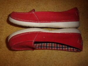 Crocs red SHOES WOMEN'S SIZE: 8