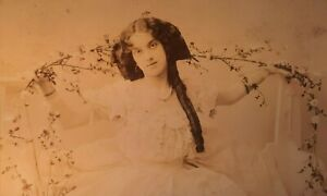 c1908 B/W Photograph Postcard. Dorothy Gould, Music Hall Actress. Hair Ringlet