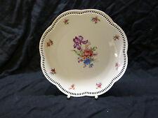 2913. Hübscher Teller,  durchbrochener Rand, Blumen, Porzellan, 28 cm