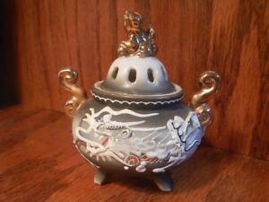 Vntge Moriage Dragonware Foo Dog Lid Incense Burner Porcelain  ACRA Japan