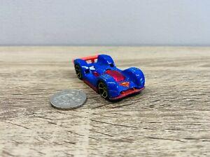 Low C-GT 2007 Superman Bridge Rescue Hot Wheels Die Cast Car Blue Red