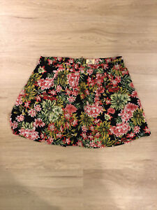 Tropical Hawaiian Shorts W Skirt Front. Lined Georgette Fabric. Back Zipper. 2X