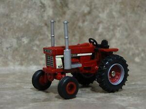 Ertl 1/64 Farmall IH International 1568 V8 Tractor Farm Toy