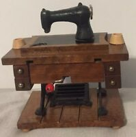 RARE Enesco Old Fashioned Sewing Machine Music Box 1979 Vintage Hand Crank Music