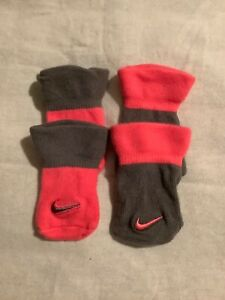 NWOT Baby Girl Nike bootie sock set, size 0-6 months