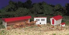 BACHMANN PLASTICVILLE USA FARM BUILDINGS w/ANIMALS HO SCALE