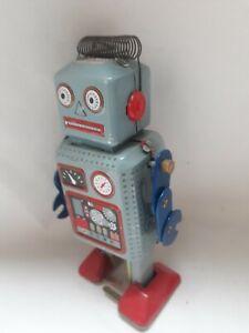 Mechanical Tin Robot Toy Wind Up