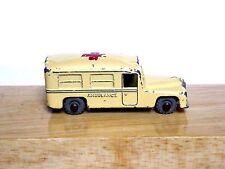 Matchbox Lesney No.14b Daimler Ambulance (CREAM WITH CROSS METAL WHEELS CODE 4)