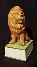 VINTAGE LION PORCELAIN MUSIC BOX FIGURINE BY MANN FROM 1982 lion