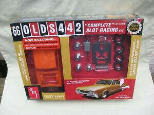 AMT '66 Olds 442 1/25 Slot Car Model / Complete Slot Racing Kit / NEW OLD STOCK