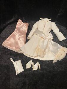 Vestido muñeca Gene Marshall Whyte Hyacinth