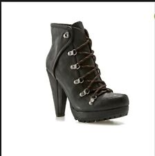 NEW G by Guess BEATRICE Black Ankle Boots Size 6 1/2